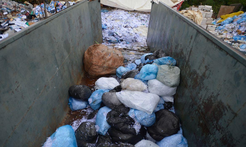 Vinte lixões foram desativados entre março e junho no Brasil