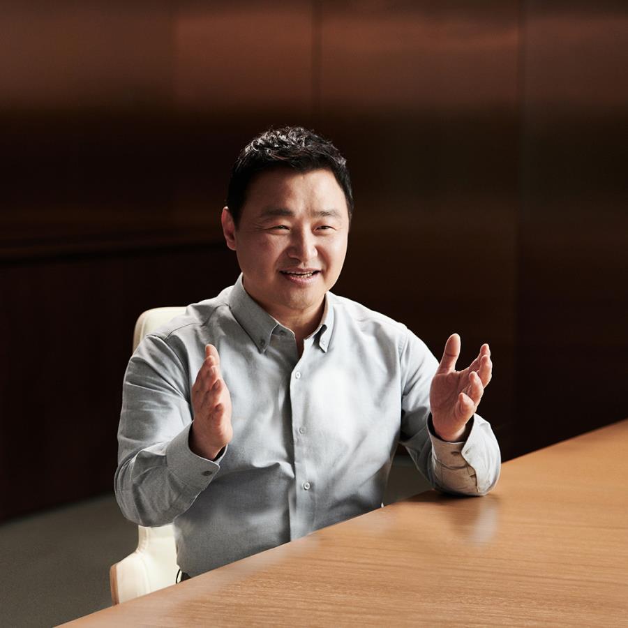 """""""Nossa visão de dispositivos inteligentes e conectados com smartphones se tornou uma realidade: 5G chegou"""", celebra TM Roh"""